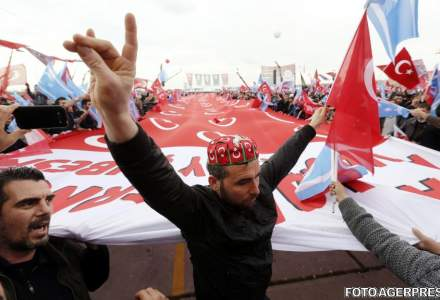 "Presedintele turc Recep Tayyip Erdogan revendica victoria la referendum. Opozitia denunta ""actiuni ilegale"""