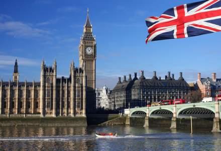 Parlamentul Marii Britanii a aprobat convocarea de alegeri anticipate pe 8 iunie