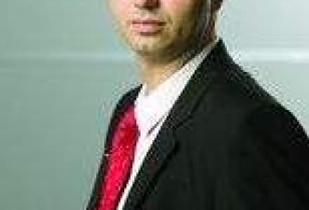 Radu Georgescu merge in licee pentru a-i invata pe pusti cum sa isi lanseze companii