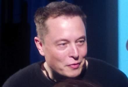Elon Musk lucreaza la un sistem de conectare a creierului uman cu o interfata IT