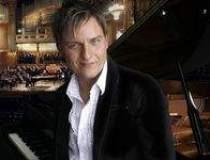 Cel mai rapid pianist din...