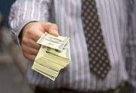 Castigul salarial mediu net a continuat sa scada in august