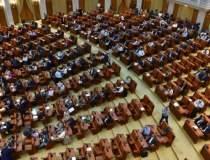 Parlamentul se reuneste din...