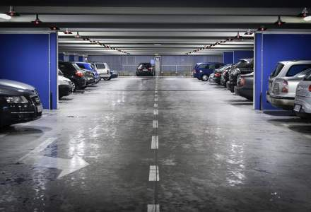 Dezvoltatorii si proprietarii de mall-uri incaseaza peste 100.000 de euro pe luna doar din taxele de parcare: cate masini trec pragul centrelor comerciale