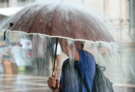 Ploi torentiale si posibile caderi de grindina sambata in Bucuresti si in cea mai mare parte a tarii