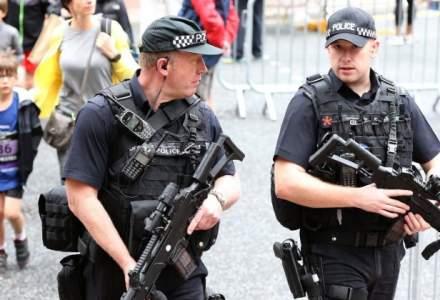 O parte dintre membrii retelei care a provocat atacul terorist de la Manchester ar putea fi inca in libertate