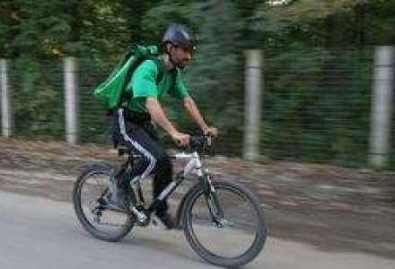 """(P) Fastius Curier: """"Livram rapid si... verde!"""""""