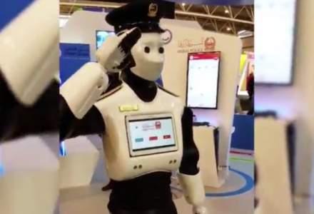 Administratia din Dubai a adus primul robot politist pe strazile din oras [VIDEO]
