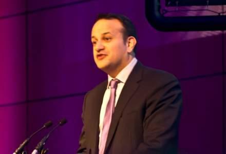 Leo Varadkar, un tanar homosexual si metis, scrie istorie si urmeaza sa devina premierul Irlandei