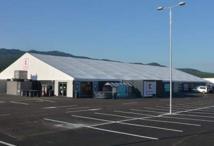 Inaugurare inedita: Kaufland deschide un hipermarket intr-un cort