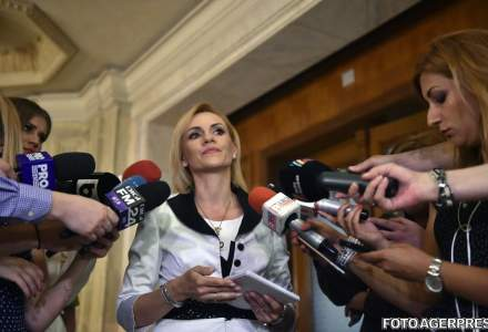 """Asociatia """"Bucuresti fara ei"""" incepe strangerea de semnaturi pentru referendumul de demitere a Gabrielei Firea"""
