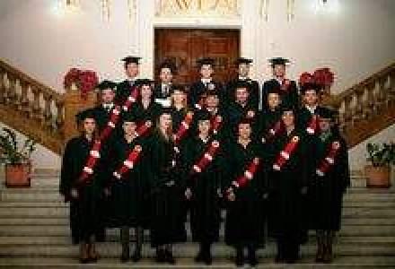 Peste 1.000 de romani au absolvit programul MBA Romano-Canadian
