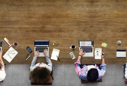 Trei din 10 angajati lucreaza chiar si atunci cand sunt in vacanta