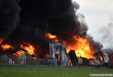 UPDATE Incendiu in Balotesti: O fabrica de mobila si un depozit de mase plastice, complet distruse