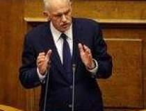 Premierul Papandreou a...
