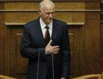 Papandreou cere demisia...