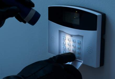Oferte eMAG: Sisteme inteligente de alarma pentru orice locuinta