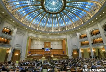 Sumele forfetare pentru parlamentari cresc cu 7.000 de lei de la 1 iulie