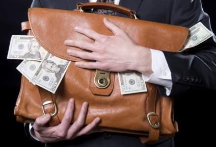 Ipsos: Romanii sunt de parere ca banii obtinuti din taxe sunt folositi in mod nejustificat