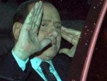 Berlusconi va demisiona. Ce...
