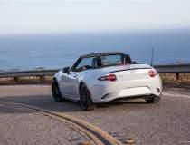 Decapotabila Mazda, modelul...