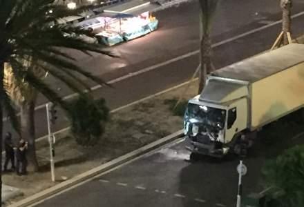 Promenade des Anglais, iluminata la un an de la atentatul terorist de la Nisa