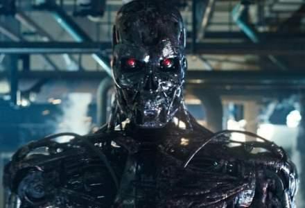 Elon Musk, despre AI: Guvernele trebuie sa reglementeze domeniul, nu trebuie sa asteptam roboti pe strada care ucid oameni