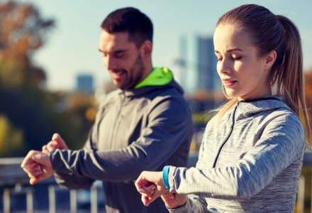 Reduceri de pana la 50% la bratari fitness si smartphone-uri