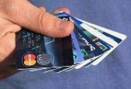 Bancile se pregatesc de sarbatori. Ce oferte sunt la cardurile de cumparaturi