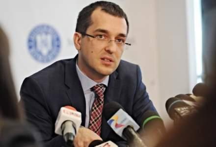 Vlad Voiculescu: E in Ministerul Sanatatii un inalt functionar care ducea acte la PSD. Are 20.000 de lei salariu