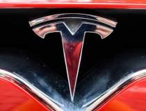 Tesla dezvolta un semi-camion...