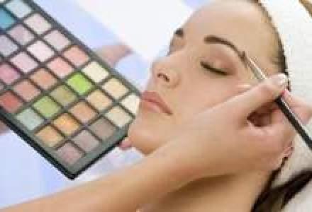 Romanii au cumparat cosmetice de aproape 1 miliard de euro in 2010