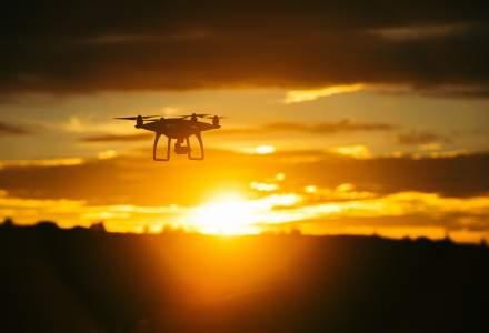 Dronele sunt viitorul: o universitate din SUA va construi cu 800.000 de dolari un laborator de testare a acestor echipamente. Gigantii din constructii folosesc deja cu succes aceasta tehnologie pe santiere