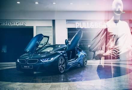 BMW expune in Bucuresti un i8, editie limitata produsa in 10 exemplare