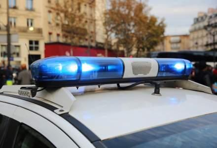 Un barbat a intrat cu masina in doua statii de autobuz din Marsilia. Un pieton a fost ucis