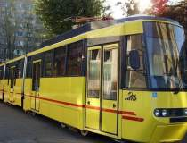 Un tramvai a luat foc in...