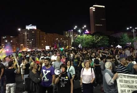 Protest in Piata Victoriei fata de modificarile la legile justitiei. Circulatia a fost blocata