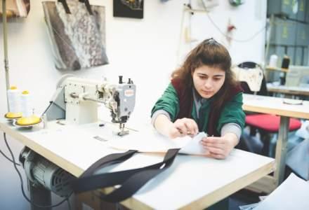 Remesh, proiectul prin care bannerele publicitare sunt transformate in obiecte utile
