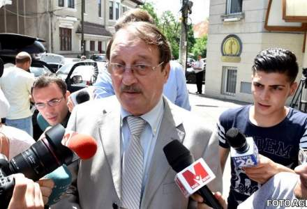Mircea Basescu afla luni daca va fi liberat conditionat