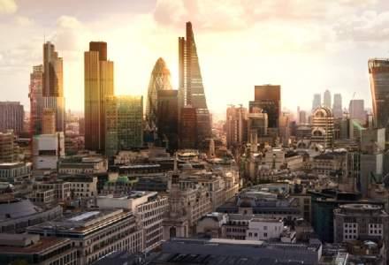 Bursa din Londra face cu ochiul unui grup de 10 firme romanesti. Fan Courier si Allview sunt cap de lista