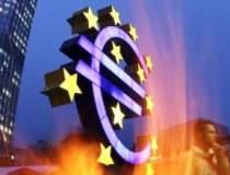 Euro a scazut la minimul...