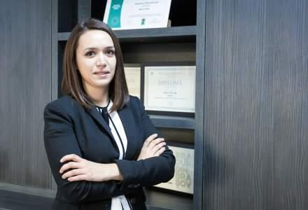 Tanara de 27 de ani care gestioneaza bugetul de peste 1 mil. euro al celui mai mare producator de acoperisuri din Romania