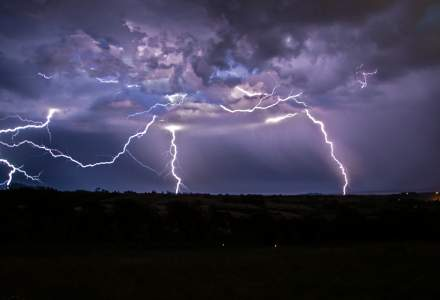Reactia IGSU cu privire la mesajele alarmante despre furtuna din Bucuresti