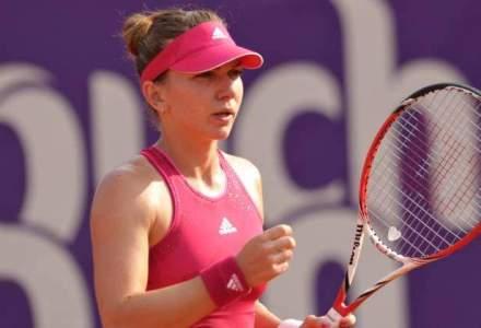 Simona Halep a invins-o pe Riske in trei seturi si s-a calificat in turul doi la Beijing