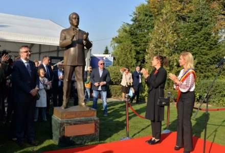 """Circ marca Gabriela Firea: 8,5 mil. lei pentru statuia unui """"print de Monaco"""""""