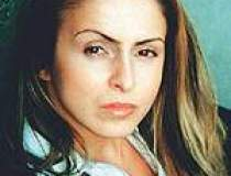 Gabriela Lungu: Sunt...