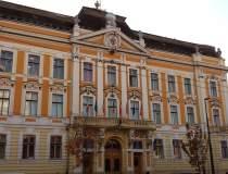 Salarii la Primaria Cluj:...