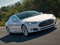 Tesla intarzie lansarea...
