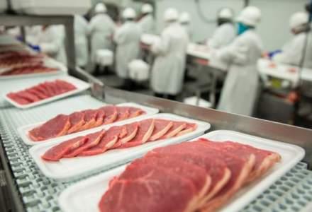 Producatorii de carne de porc: Fiecare al doilea gratar pe care il consumam este adus din afara, desi putem asigura consumul
