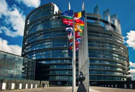 Comisarul european responsabil pentru economia si societatea digitale vine in Romania